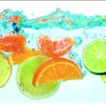 фрукты в воде